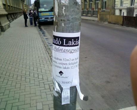 Duna House ilelgális plakát