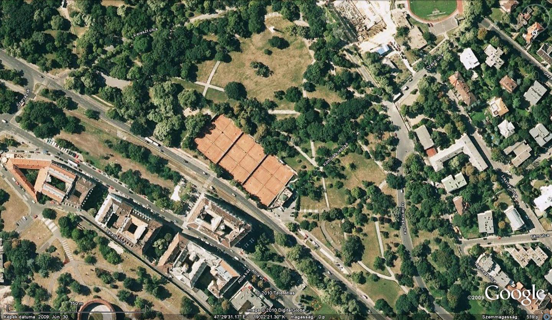 Az elhagyatott, üres Tabán, ahol ma csak a teniszpályák terpeszkednek