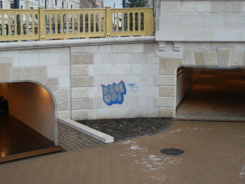 Falfirkák a Margit hídon (forrás: www.szeretelkemagyarorszag.hu)
