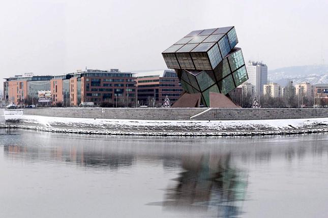 Rubik-kockát formázó múzeum a Dunánál (forrás: Urbanista)